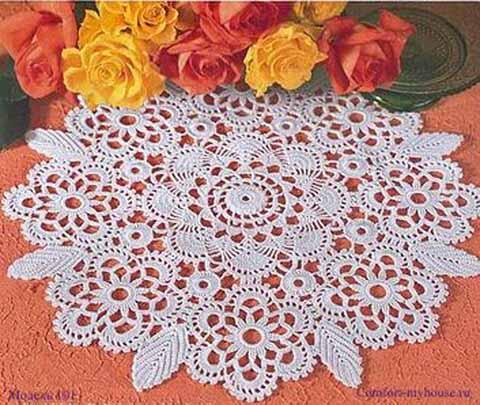 оригинальная салфетка из цветочных мотивов