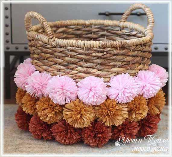 dekor korzinki pomponami