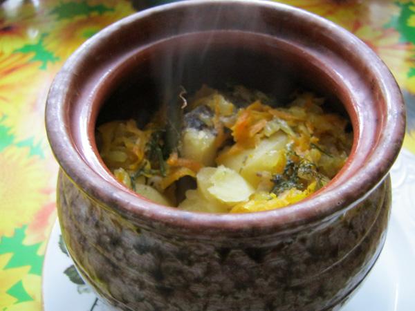 Жаркое в горшочках с мясом и картошкой - готовим в духовке
