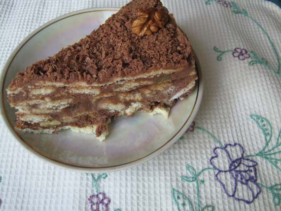 kusoche vkusnogo domasnego torta
