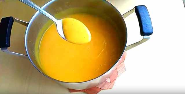 gustoj sup-pyure na lozhke
