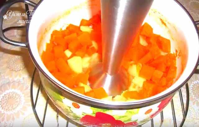 izmel'chenie ovoshchej dlya supa-pyure