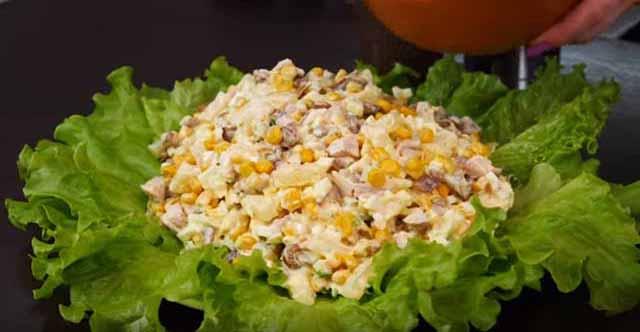 podacha v list'yah salata