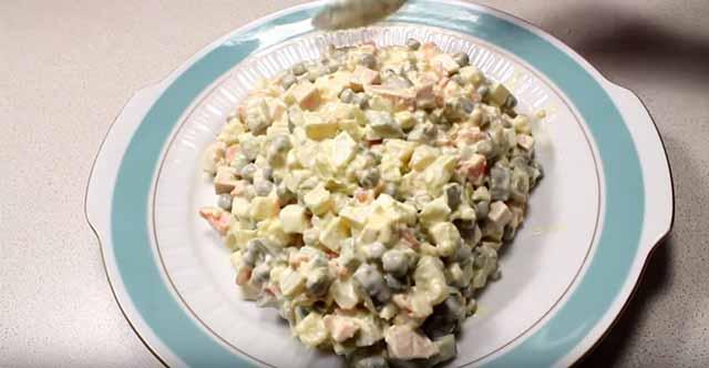 salat v forme krysy