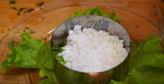 sloj ris s majonezom