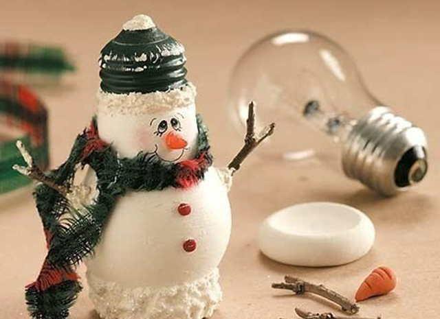 snegovik i lampochka
