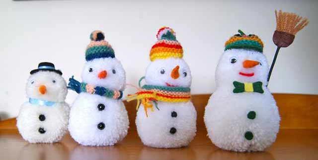 snegoviki iz pomponov