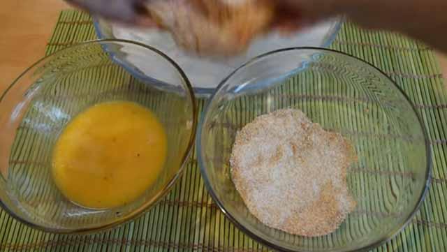 yajca i suhari dlya panirovki