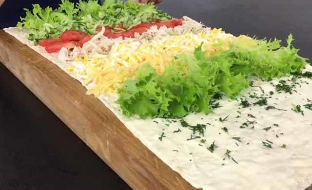 nachinka na lavashe s list'yami salata