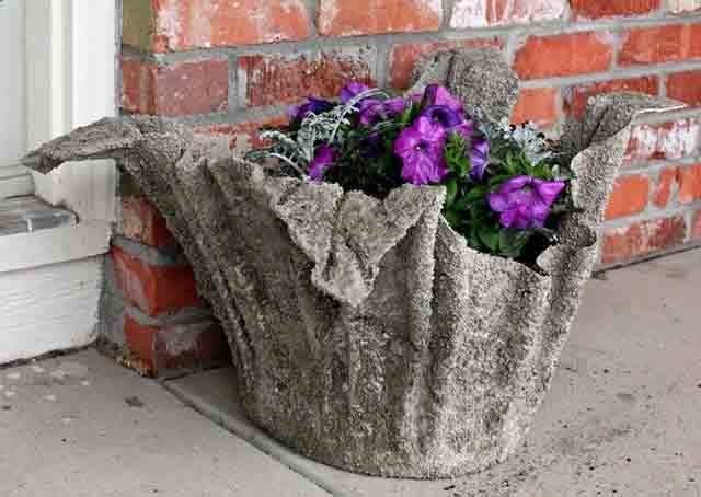 kashpo iz cementa