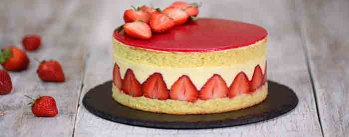 klubnichnyj tort s jagodami