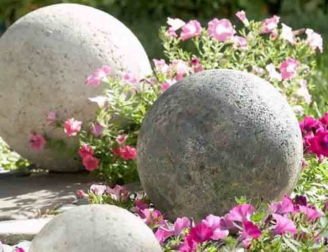 shary iz cementa dlya dachi