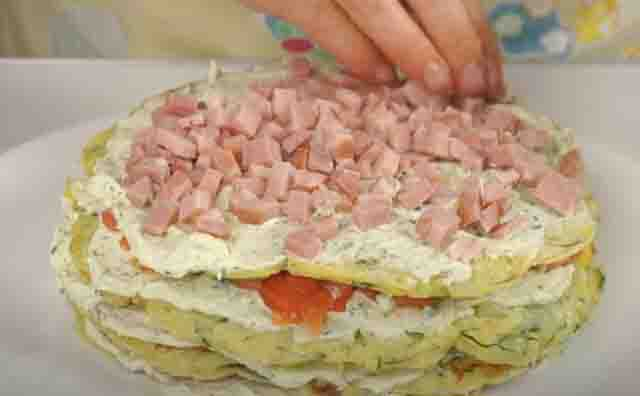 tort iz kabachkov s vetchinoj