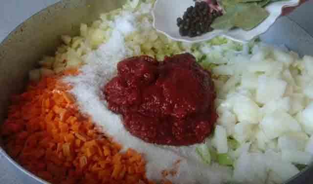 tomatnaya pasta k lecho