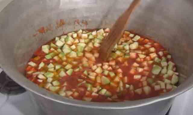 kabachki v tomatnoj paste