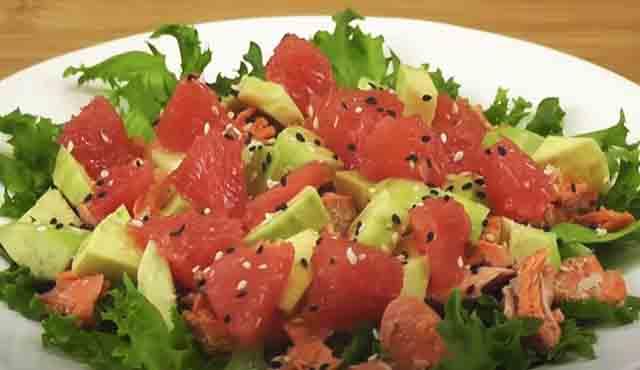 salat s semgoj i avokado