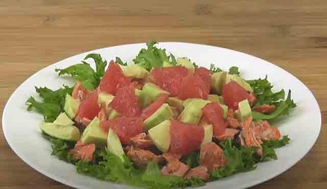 salat s semgoj na tarelke