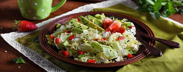 krasivyj-salat-iz-pekinskoj-kapusty